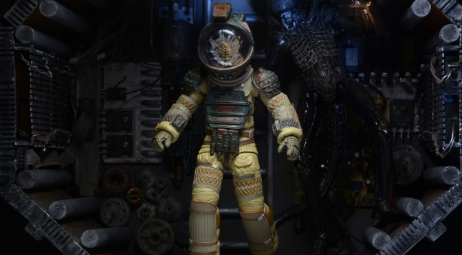 NECA Alien Figures: New Images of Bishop and Face Hugger Kane Released!