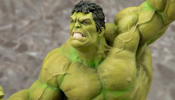 Grizzly Bomb's Kotobukiya Hulk ArtFX+ Statue Giveaway!