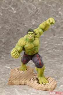 hulk statue2