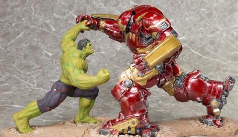 Hulkbuster-Iron-Man-vs.-Hulk-ARTFX-Statue-Kotobukiya-2015-e1423505849199